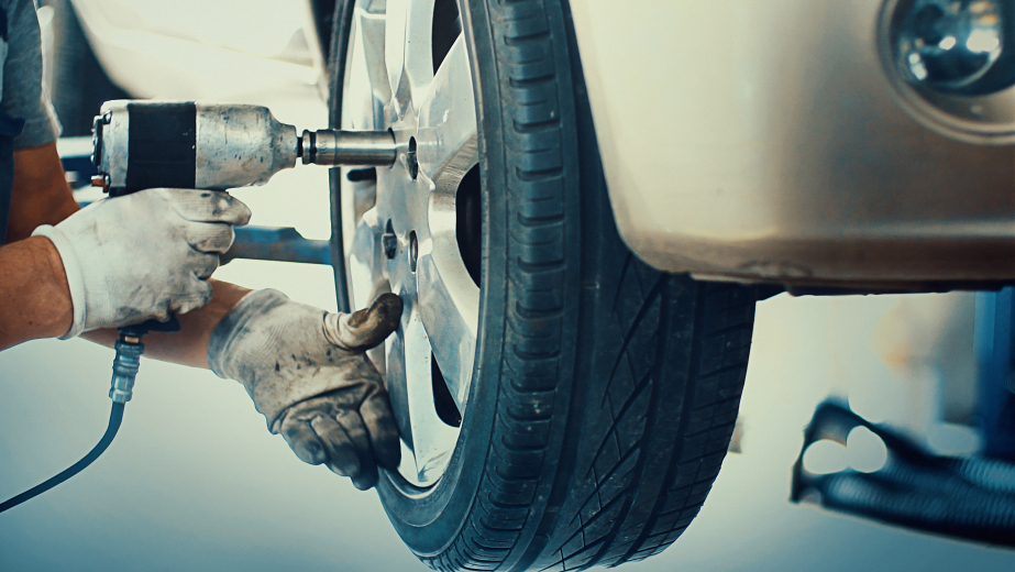 Avoid excessive tyre spinning.